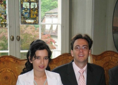 Stela (Romania) and Raffi (Switzerland) met and married in 2006